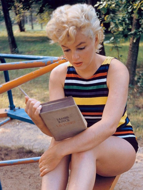 Eve Arnold - Marilyn Reading Ulysses