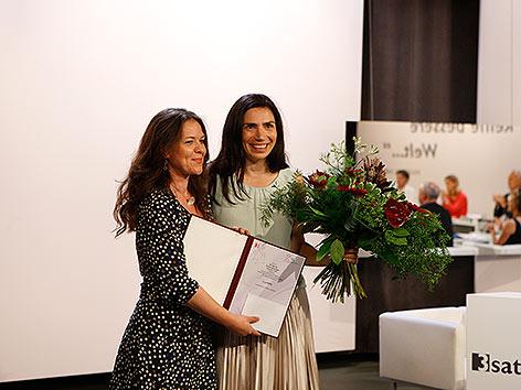 Dana Grigorcea mit Petra Gruber von 3Sat.